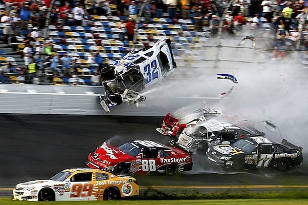 Kyle Larson accident Daytona 1