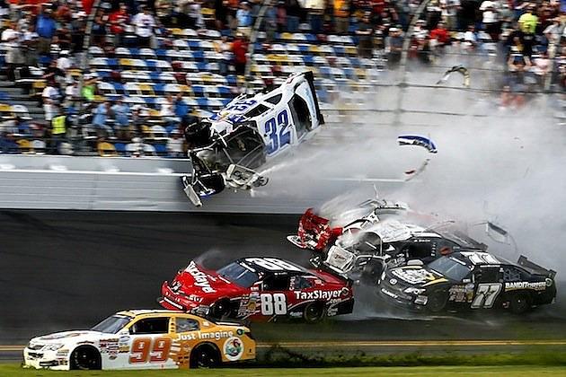 Kyle Larson accident Daytona 1