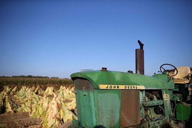 Tractor-John-Deere-1.jpg