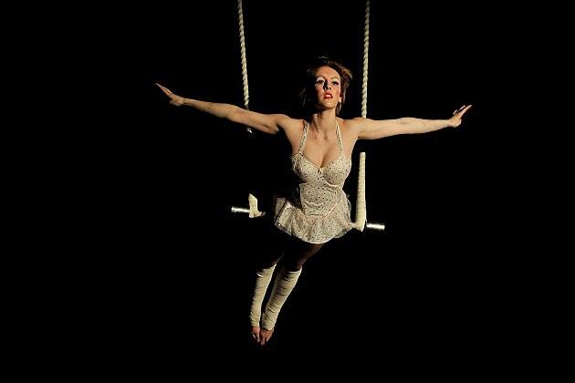 Trapeze Artist Survives Horrific Fall Video