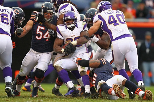 Brian Urlacher vs Vikings