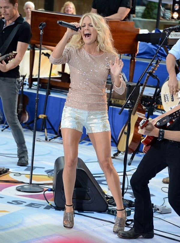 "Carrie Underwood Performs On NBC's ""Today"""