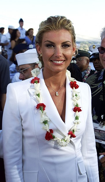 Singer Faith Hill at the World Premiere of Touchstone Pictures' / Jerry Bruckheimer Films' PEARL HARBOR on the aircraft carrier USS John C. Stennis, Monday, May 21, 2001, Pearl Harbor, Hawaii.