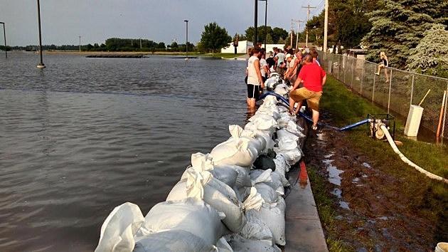 Flooding Rock Valley volunteers by school