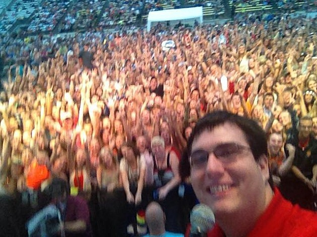 KIKN Country Selfie