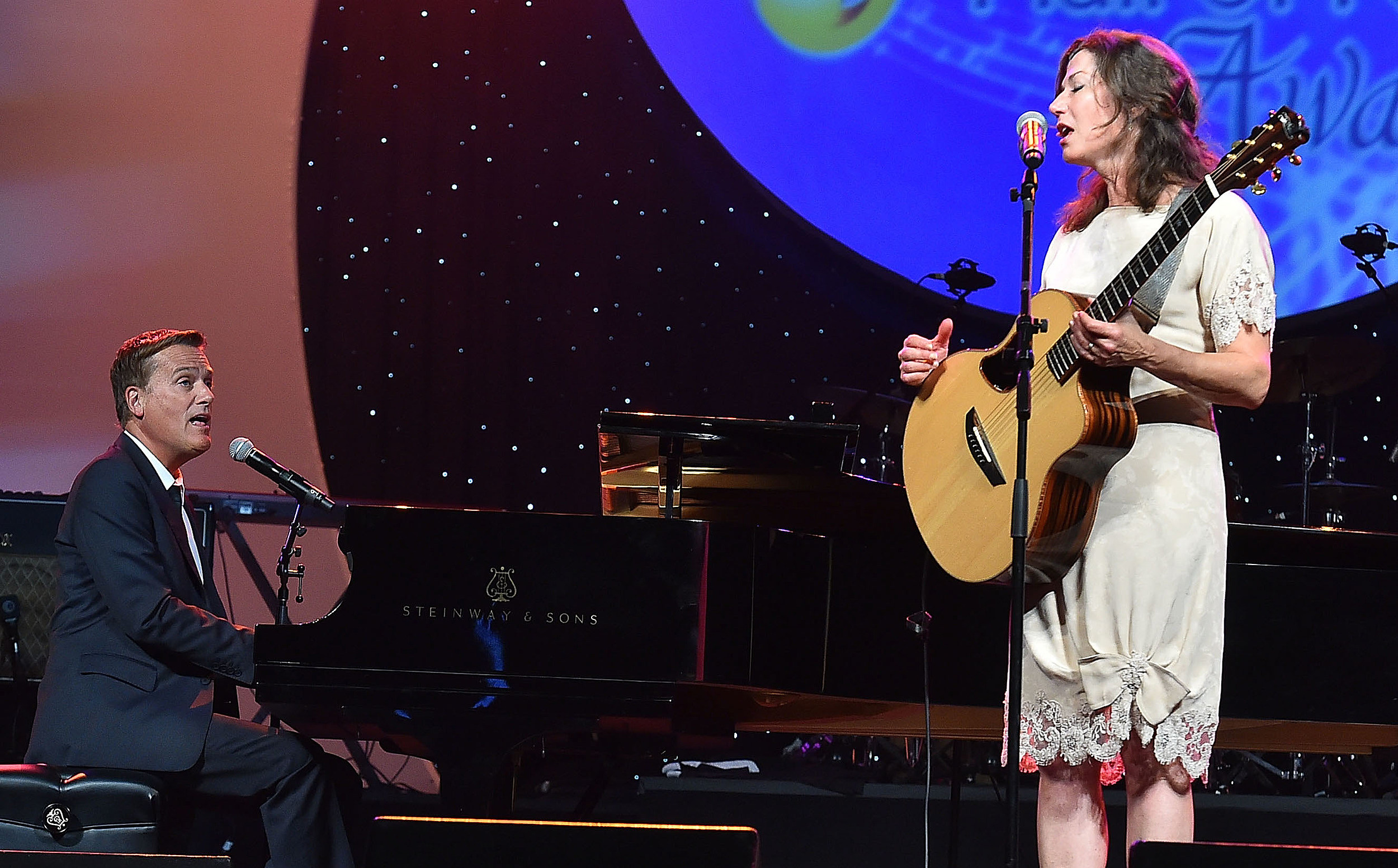 Amy Grant, Michael W. Smith Christmas Concert Back to Sioux Falls